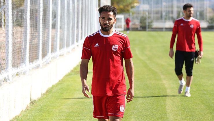 """Adı Beşiktaş'la da anılan Douglas için açıklama: """"Maddi şartlarla alakalı"""""""