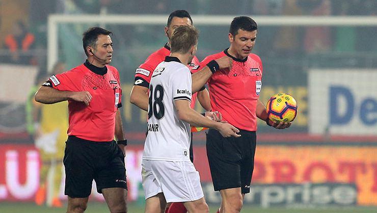 Akhisar-Beşiktaş maçındaki kartlar geçerli