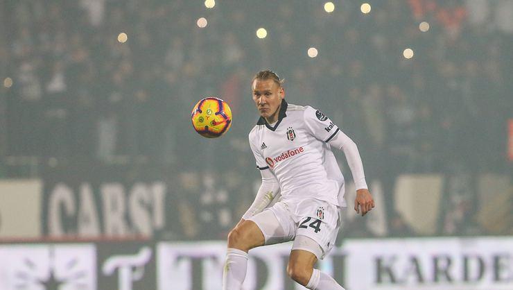 Domagoj Vida geri dönüyor