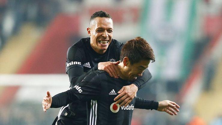 Adriano adım adım Flamengo'ya