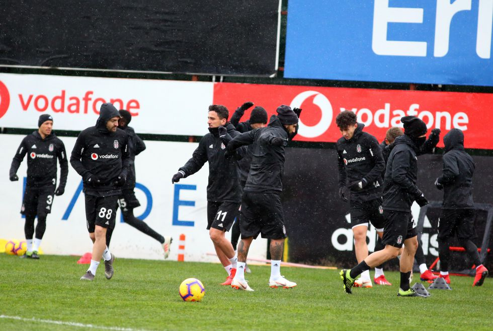 Beşiktaş ilk peşinde!