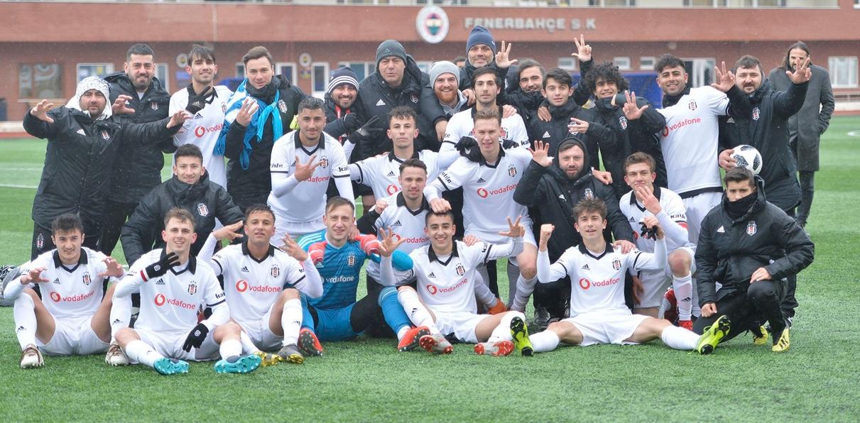 Beşiktaş'ın gençleri, Fenerbahçe'yi rahat geçti