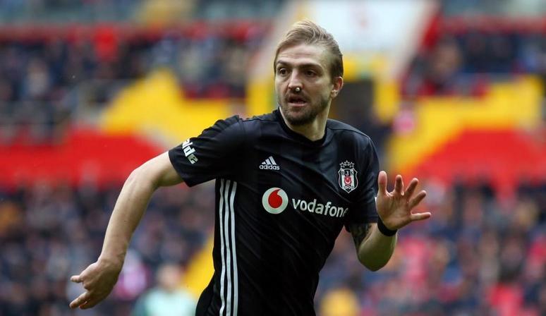 Caner Erkin'e artı 1 yıl teklifi