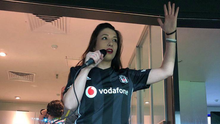 Vodafone Park'ta gol anonsları kadın taraftardan!