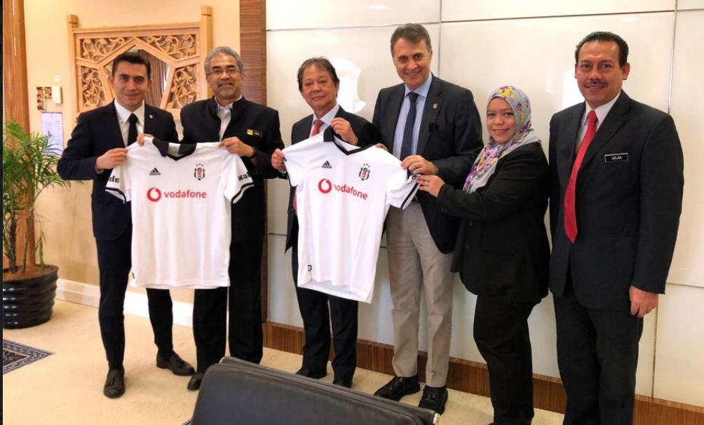 Fikret Orman, Malezya Turizm Bakanı'na ziyaret etti