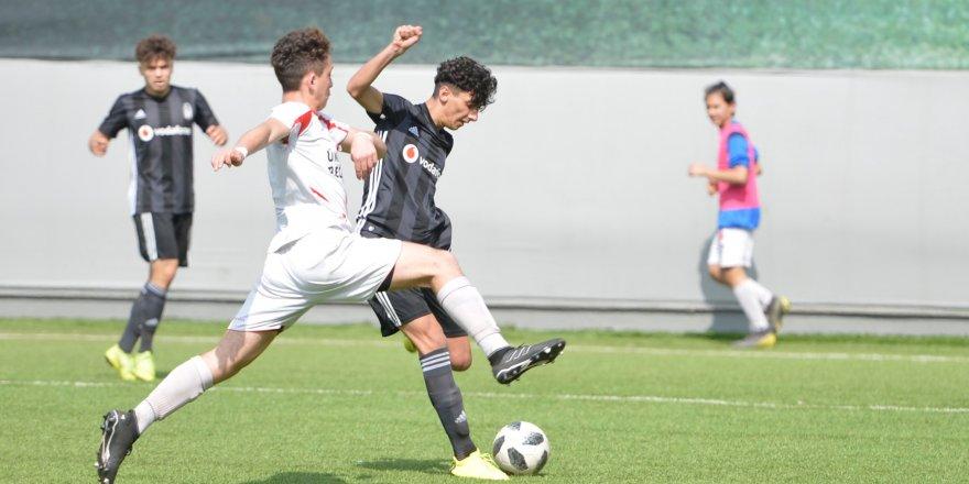 Beşiktaş U16, Koray Yağcı'nın golüyle galip!