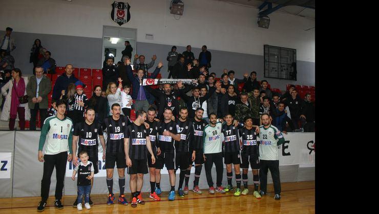 Şampiyon Beşiktaş Mogaz, taraftarlarıyla buluştu