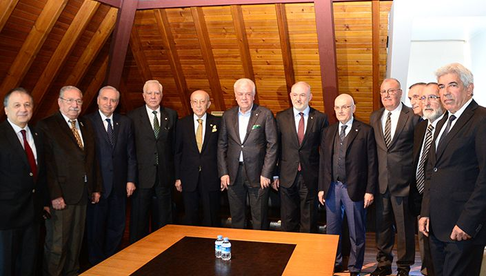 Tevfik Yamantürk, Bursaspor Kulübü Divan Kurulu Başkanı'nın ev sahipliğideki yemeğe katıldı