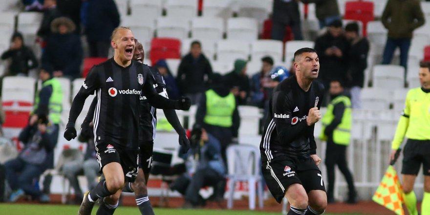 """Sivasspor'un kalecisi: """"Burak Yılmaz klasına yakışır vurdu"""""""