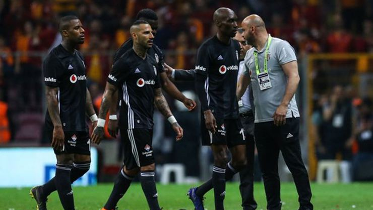 Beşiktaş'ta yaprak dökümü! Yolcu listesi ortaya çıktı