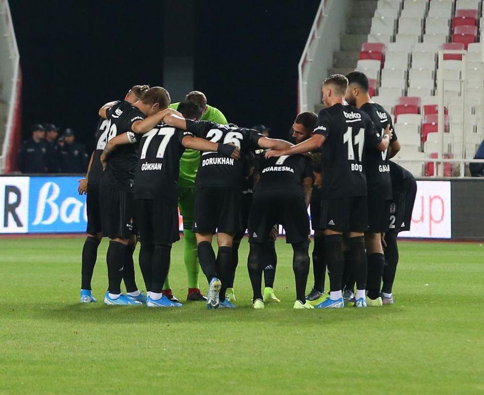 Beşiktaş 2 ilki birden yaşadı