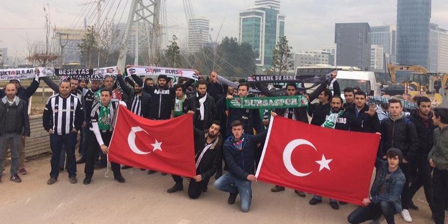 Bursaspor ve Beşiktaşlı taraftarlar cenazede buluştu