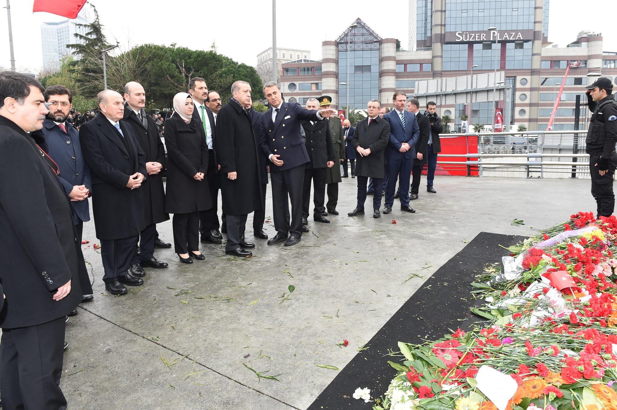 Cumhurbaşkanı Erdoğan Şehitler Tepesi'nde