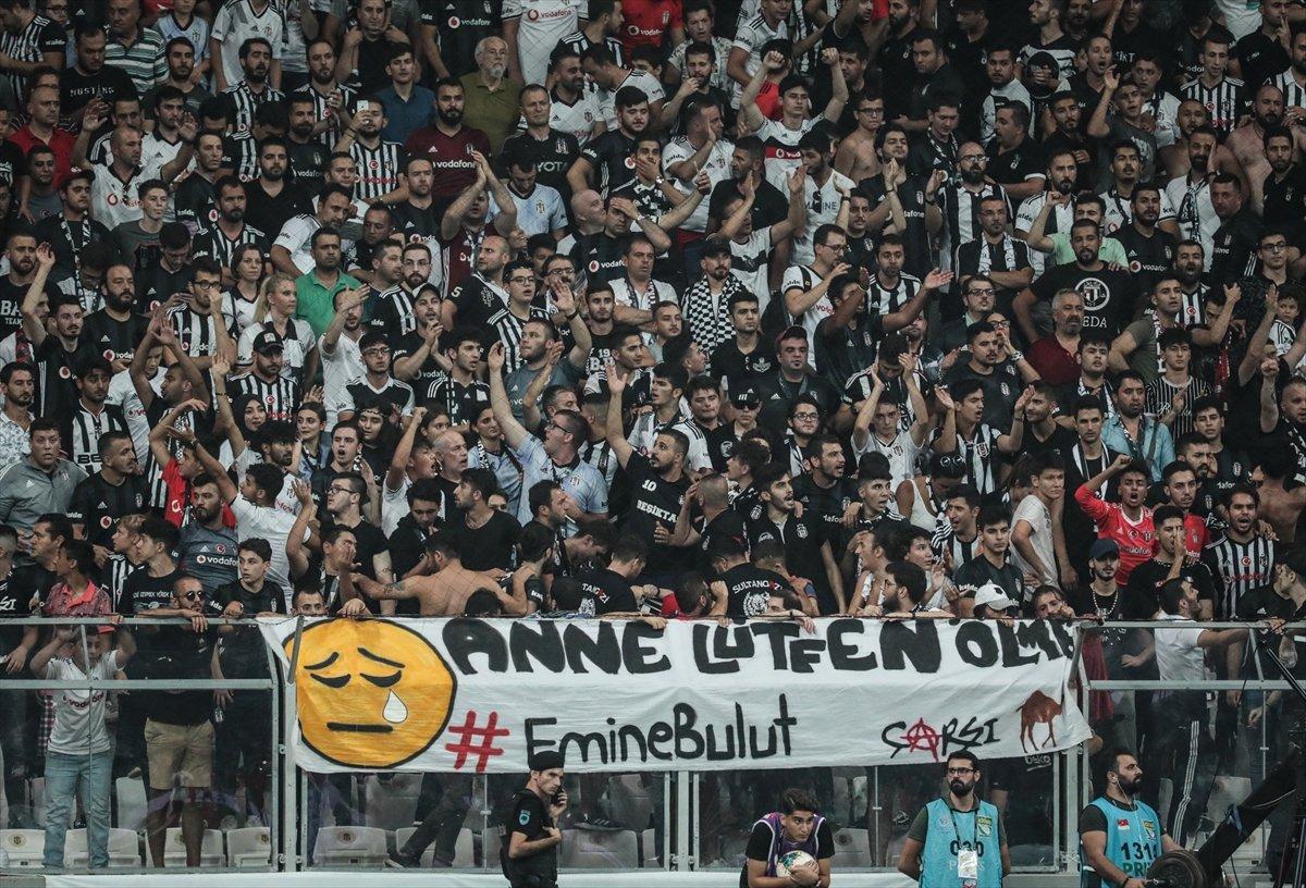 Beşiktaş taraftarından Emine Bulut pankartı