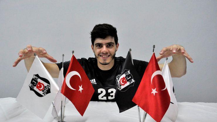 Beşiktaş, Cezayirli Sadok'u kadrosuna kattı