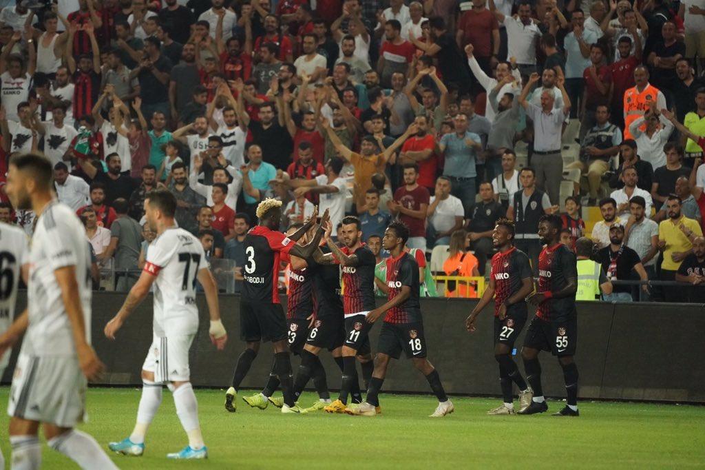 """""""Beşiktaş için hedef şampiyonluk olamaz"""""""