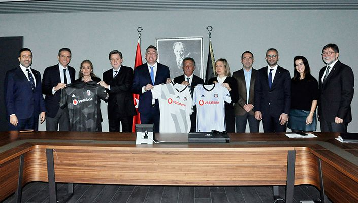 Vodafone'dan Beşiktaş'a ziyaret