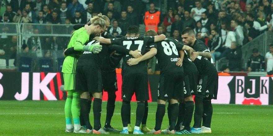 Beşiktaş karavana attı! İki oyuncu rakip savunmasında kayboldu