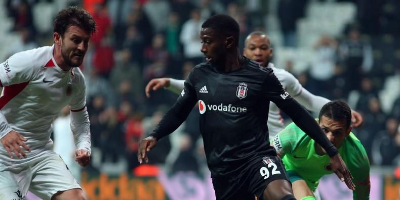 Ljajic ve Diaby Başakşehir maçında kulübeye