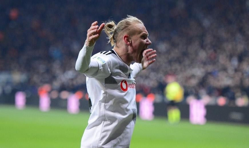 """""""Beşiktaş'ın talihsizliği, en az dört kez kaçırdığı gollerse, evet!. Ama Vida ile birlikte savunmada verdiği açıkları da talihsizlikle anlatamazsınız."""""""