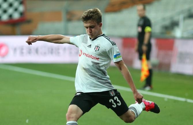 Beşiktaşlı Rıdvan Yılmaz için teklif; Para+Oyuncu