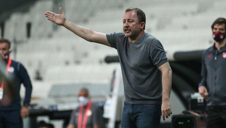 Beşiktaş'ın transfer listesi ortaya çıktı! 4 flaş isim