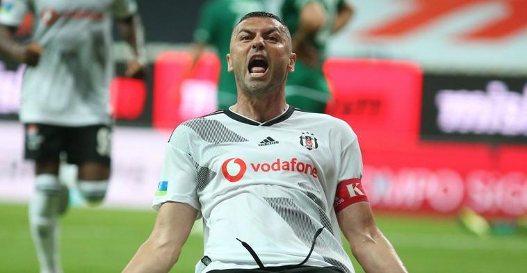 Burak Yılmaz, 3 yıl daha Beşiktaş'ta!