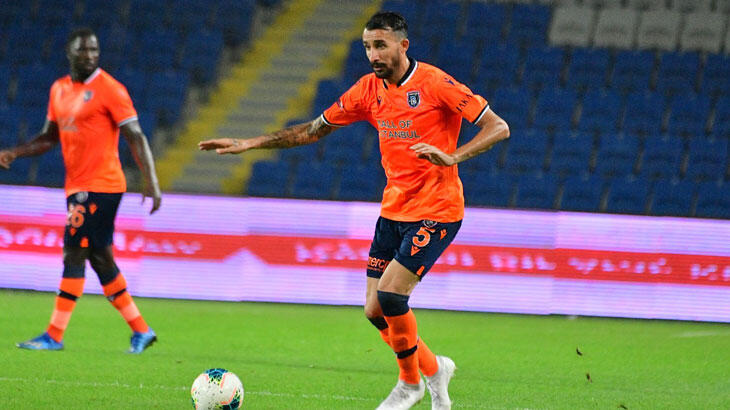 Mehmet Topal, Başakşehir ile sözleşme uzattı