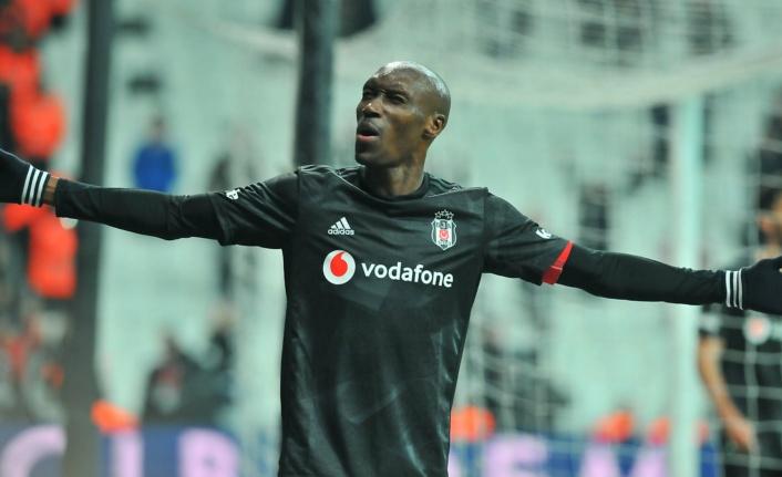 Beşiktaş Atiba ile imzaladı