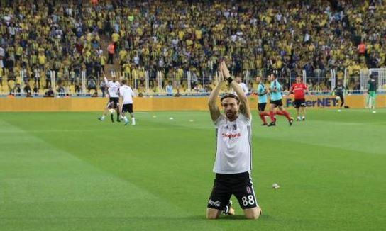 Caner Erkin Beşiktaş'a veda etti