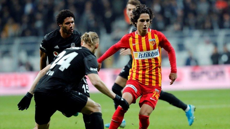 Beşiktaş'tan genç futbolcuya teklif