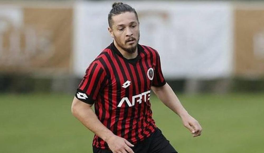 Gençlerbirliği, Beşiktaş'ın da ilgilendiği iddia edilen Ahmet Oğuz ile yollarını ayrdı.