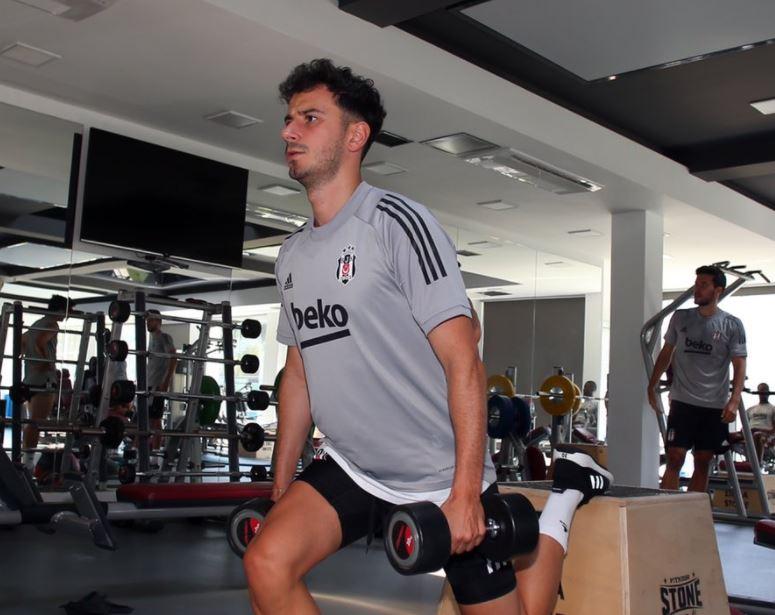 Beşiktaş yeni sezon hazırlıklarına salonda devam etti