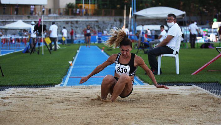 Tuğba Aydın, Büyükler Atletizm Şampiyonası'nda Türkiye birincisi oldu