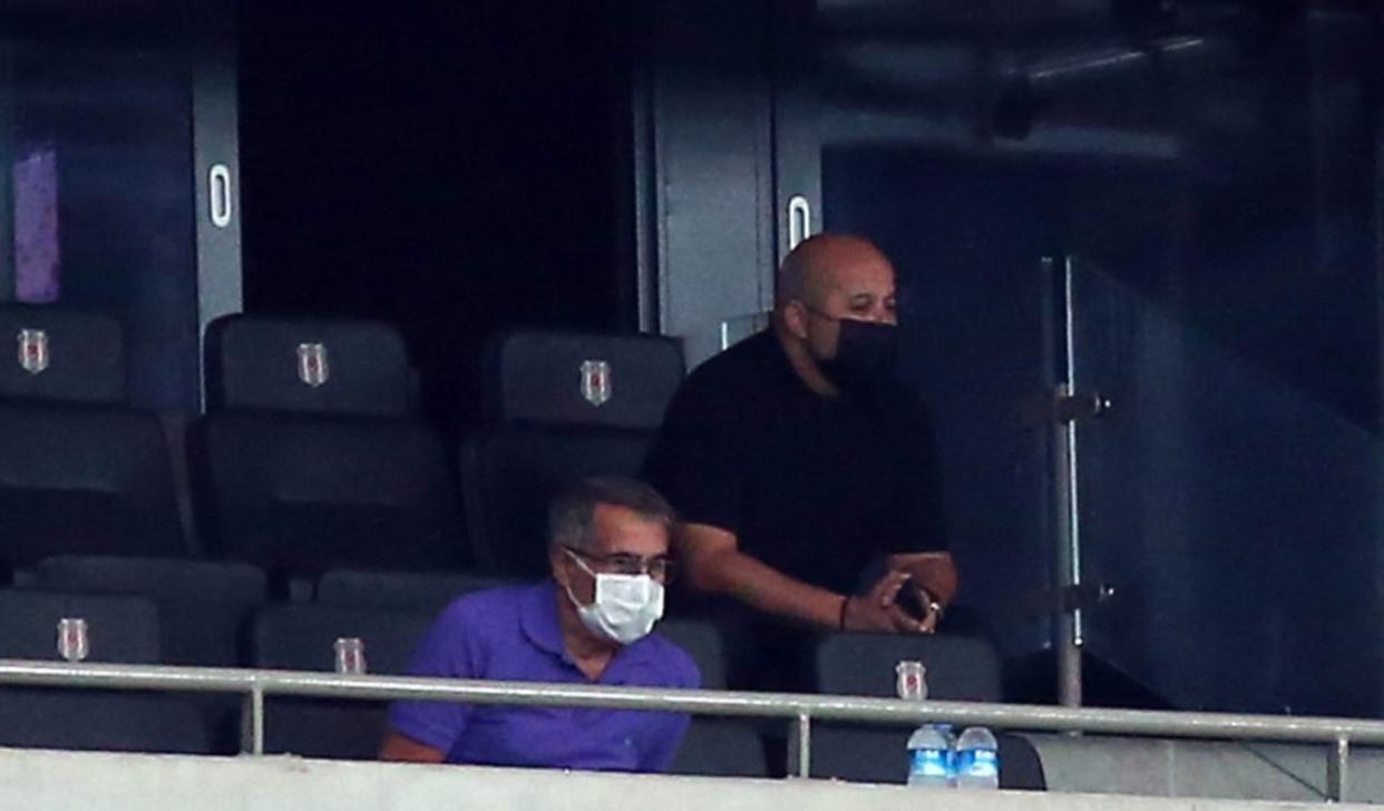 Şenol Güneş, Beşiktaş-Antalyaspor maçını izliyor