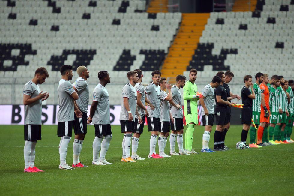 Beşiktaş, Eylül ayında Avrupa'ya veda etti