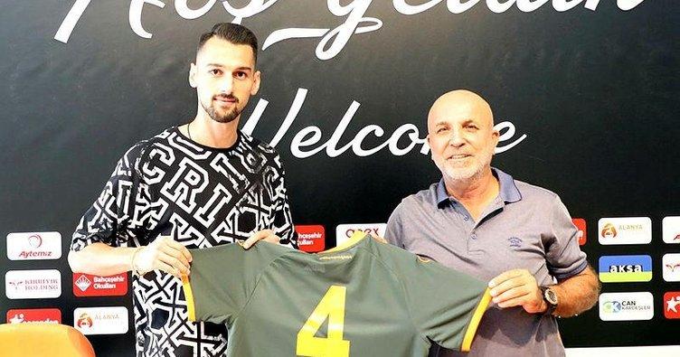 Beşiktaş 30 genci kiralık gönderdi!