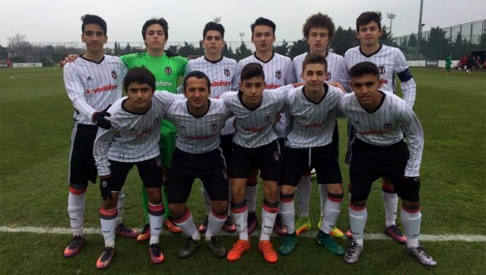 Beşiktaş U-15, G.Saray ile berabere kaldı