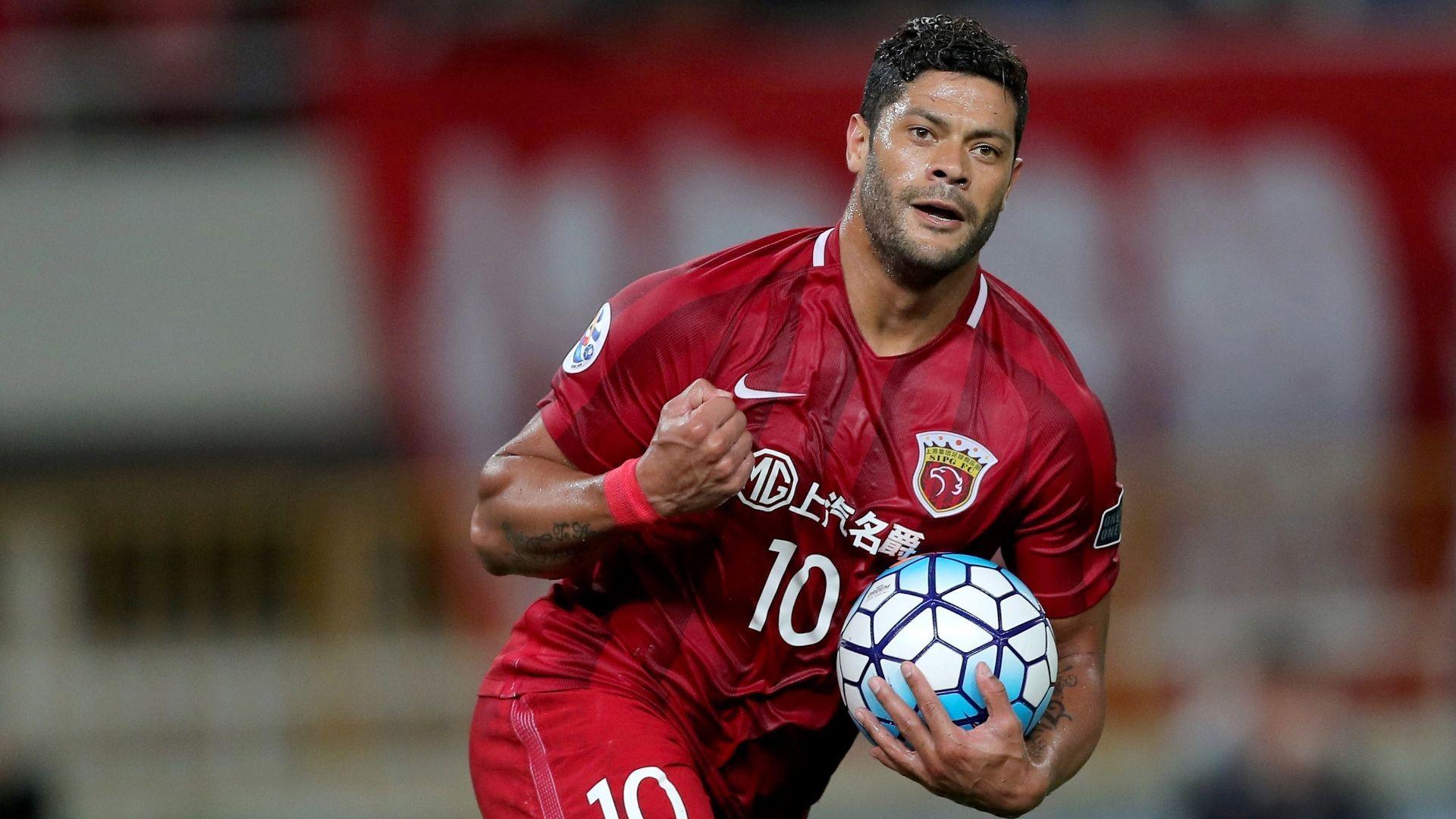 Beşiktaş'ın transfer gündemindeki Hulk, Josef de Souza'nın paylaşımını beğendi