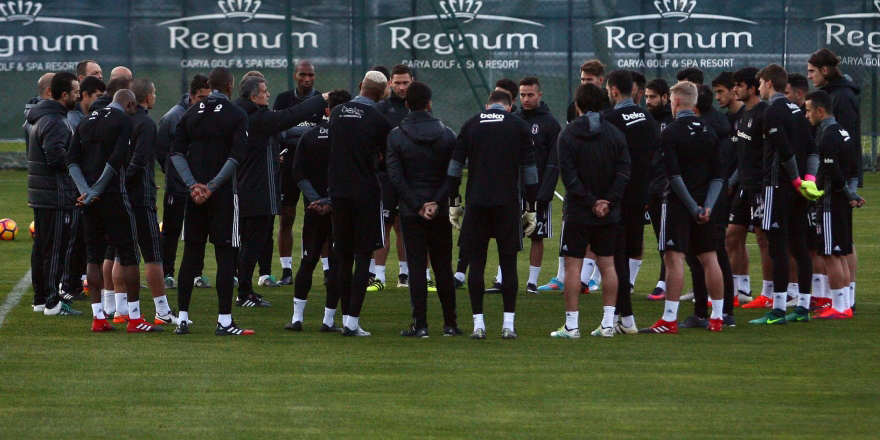 Beşiktaş'ta 4 genç kampa alındı!