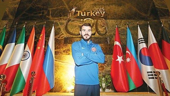 """Antalya'nın oyuncusu: """"Beşiktaş şampiyonluğunu kampta ilan etti"""""""