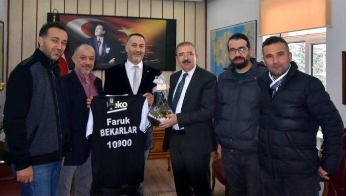 Balıkesirli Beşiktaşlılardan nezaket ziyareti
