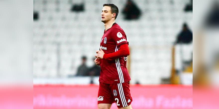 Mitroviç ilk kez sahada!