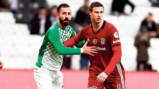 Beşiktaşlı yöneticiler, Mitroviç için neler düşünüyor?