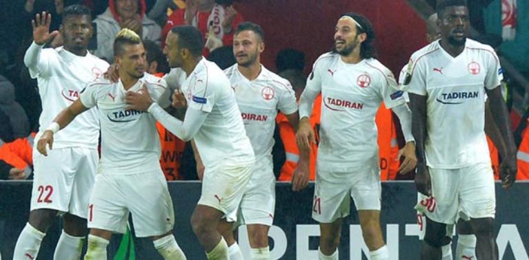 Beşiktaş'ın rakibi bir puana razı oldu
