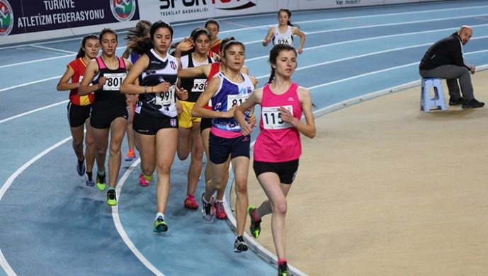 Atletizmde 3 ayrı ikincilik