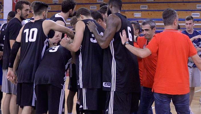Basketbolcular hazırlık maçı için Yunanistan'da