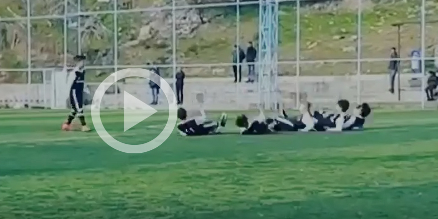 Beşiktaşlı futbolculardan bowling sevinci (VİDEO)