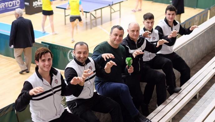 Beşiktaş, masa tenisinde dolu dizgin
