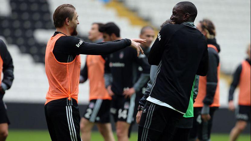 Beşiktaş, Caner'in bonservisi için kararını verdi